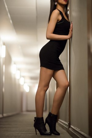 Hazal escort girl in Bakersfield