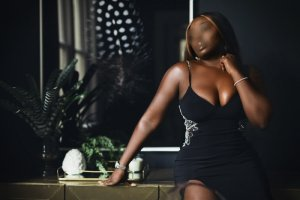 Mahelia live escort in Hallandale Beach