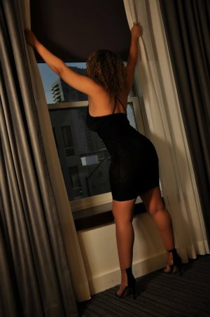 Victorienne hook up in Vestavia Hills Alabama