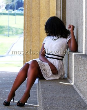 Fabiana independent escorts in Bonita