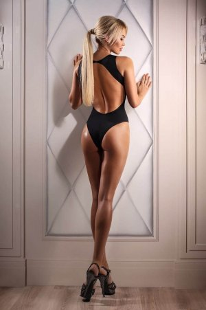 Laura-lyne escort girl