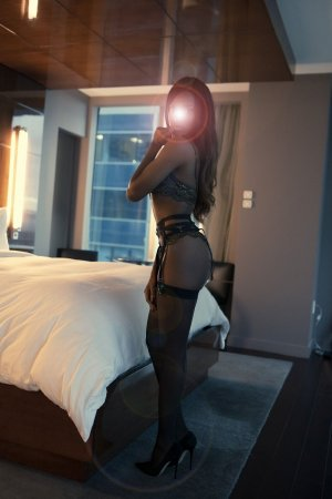 Besmala incall escort in Town and Country MO